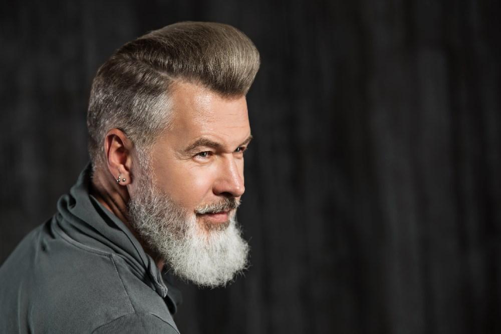 Laut Industrieverband Friseurbedarf Gehen Sie Sogar Häufiger Zum Friseur  Als Frauen. Im Durchschnitt 6,8 Mal Pro Jahr. Bei Frauen Sind Es 5,7  Besuche.